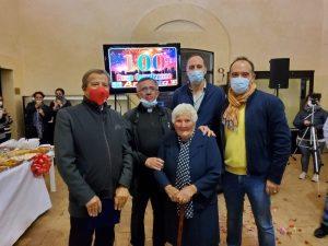 In collina grande festa per  i 100 anni di Antonia Monaldi
