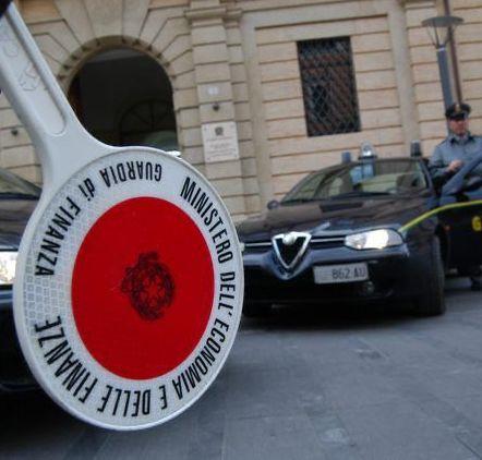 Centro autodemolizioni sequestrato, l'avvocato:  «La mia rappresentata sta già eliminando le criticità»