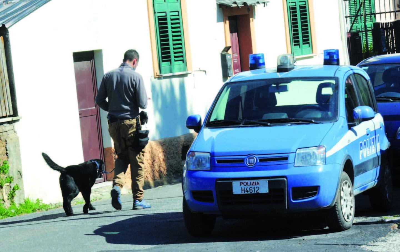 Esplosivo in cantina: blitz della Polizia Arrestati due civitavecchiesi