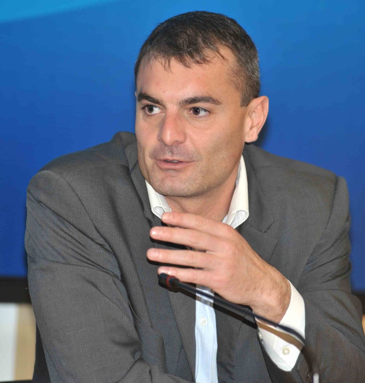 Gravi inadempienze e reiterate inottemperanze: Antonio Carbone lascia la poltrona a Fabrizio Lungarini