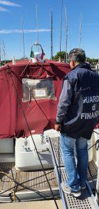 Operazione ''Foreign Flag'': scoperti i furbetti della bandiera estera