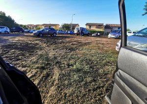 'Aghi di pino e parcheggio disastrato, il Comune intervenga'