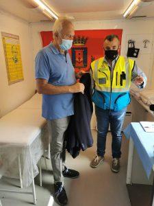 Vaccini Fiumicino: Montino e Zingaretti in visita al camper della Misericordia